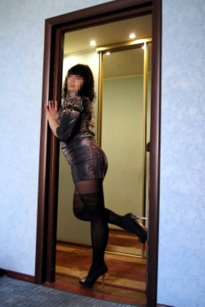 LYANNE Milf Escort Woman